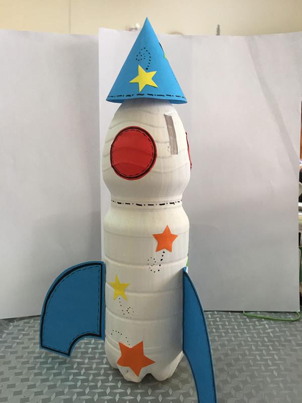 brinquedos-faceis-de-fazer-foguete-garrafa2